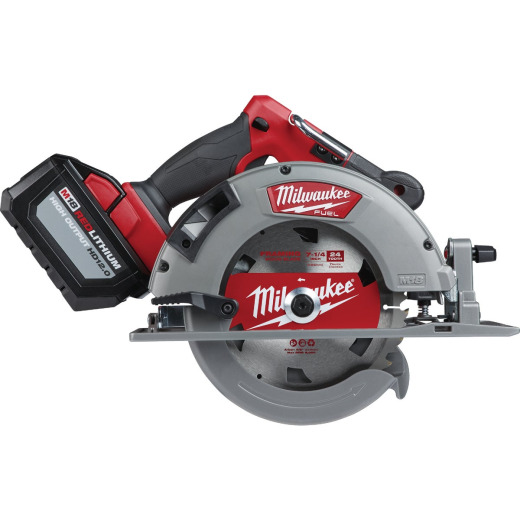 Milwaukee M18 FUEL 18 Volt Lithium-Ion Brushless 7-1/4 In. Cordless Circular Saw Kit