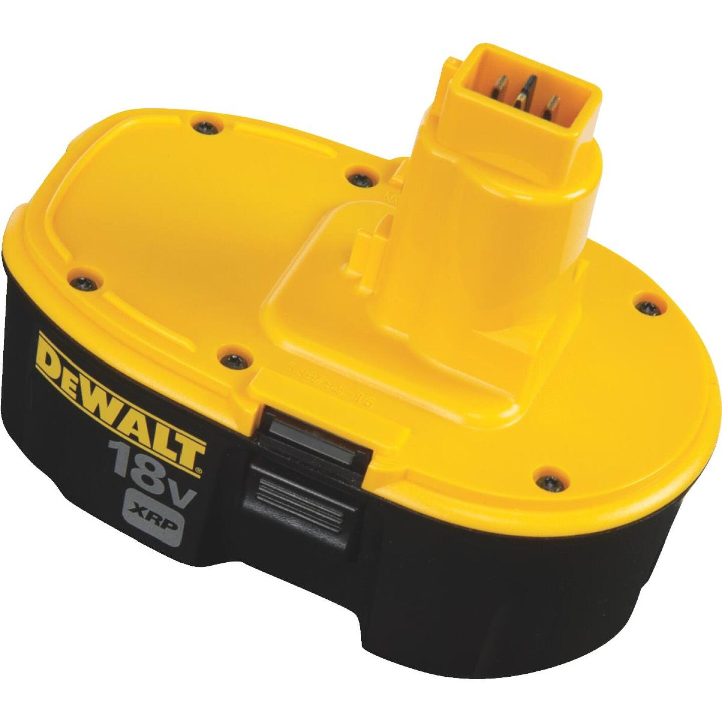 DeWalt 18 Volt XRP Nickel-Cadmium 2.4 Ah Tool Battery Image 3